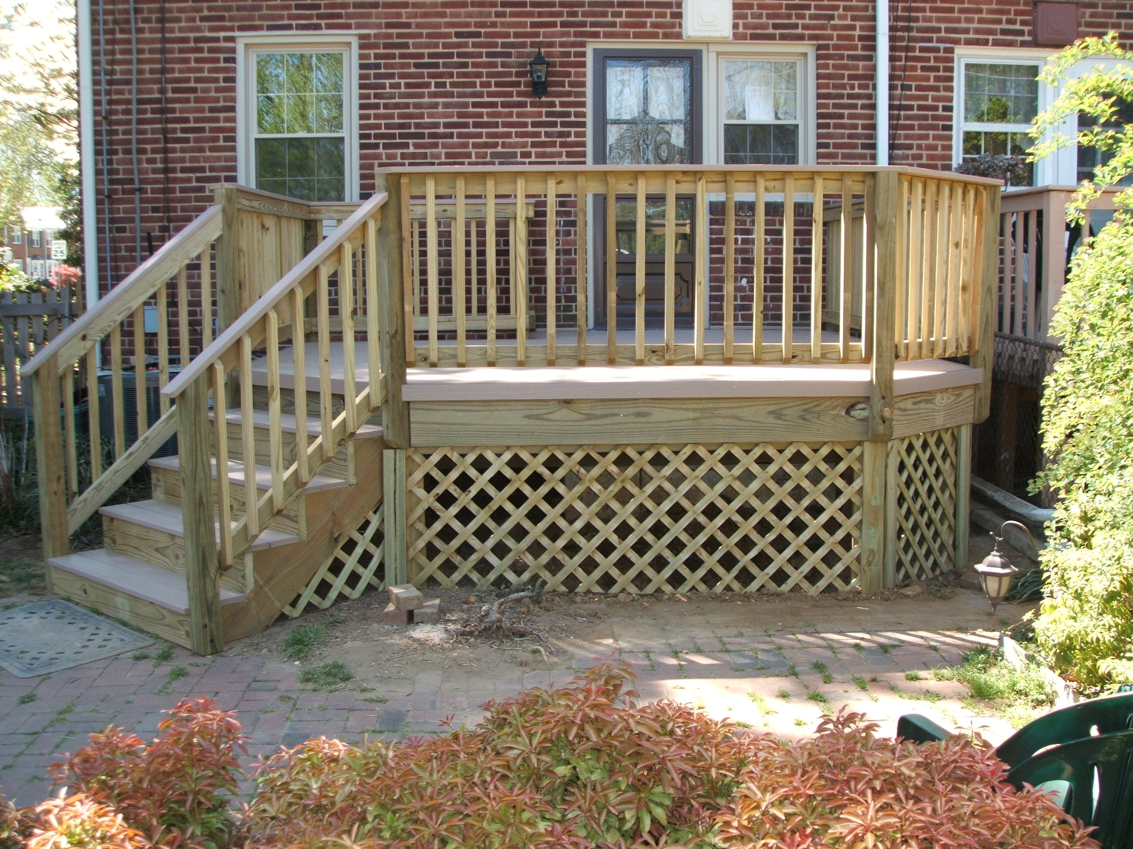 traditonal-wood-railing