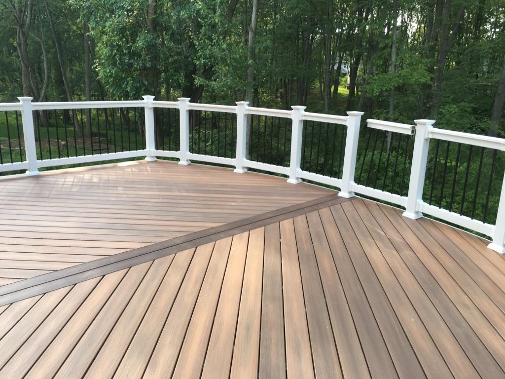 composite-deck-railing-vinyl-rails
