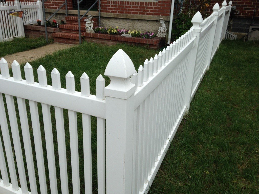 sharp-cap-picket-fence