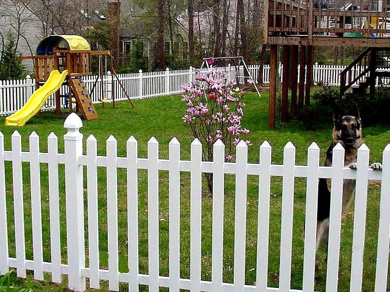 Jamestown-VINYL-FENCING